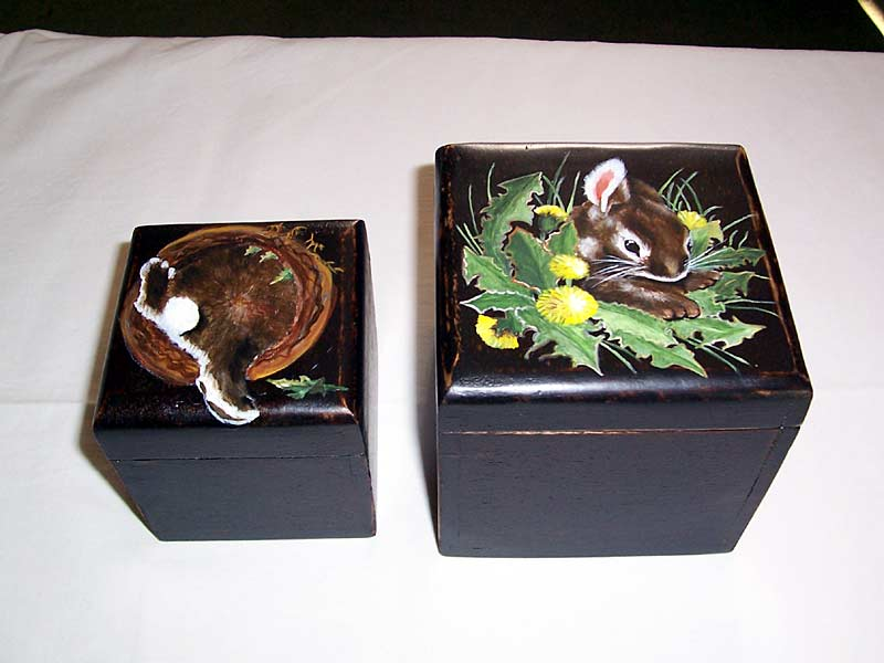 boites peintes sophie et compagnie tapisserie traditionnelle peinture sur bois marciac. Black Bedroom Furniture Sets. Home Design Ideas