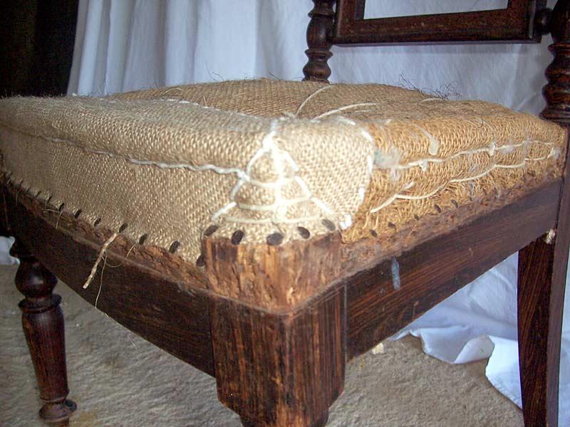 chaise napol on iii sophie et compagnie tapisserie traditionnelle peinture sur bois marciac. Black Bedroom Furniture Sets. Home Design Ideas